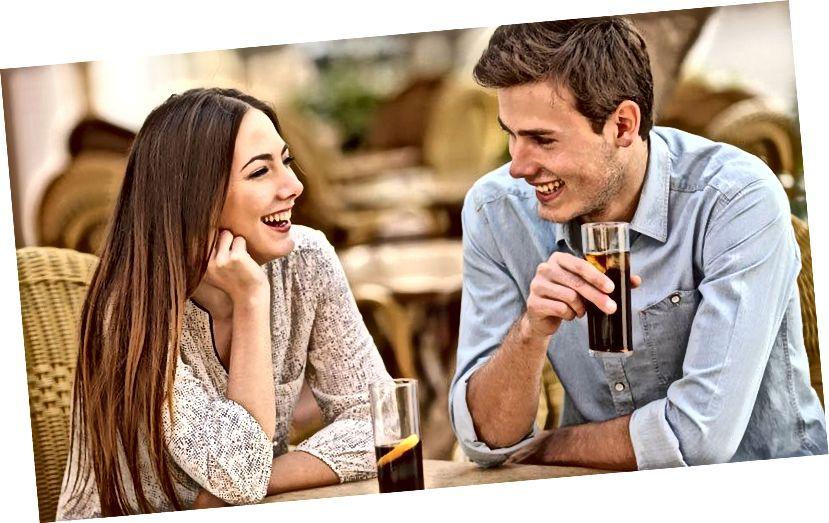 एक खुशहाल रिश्ते के बारे में बात करने के लिए विषय