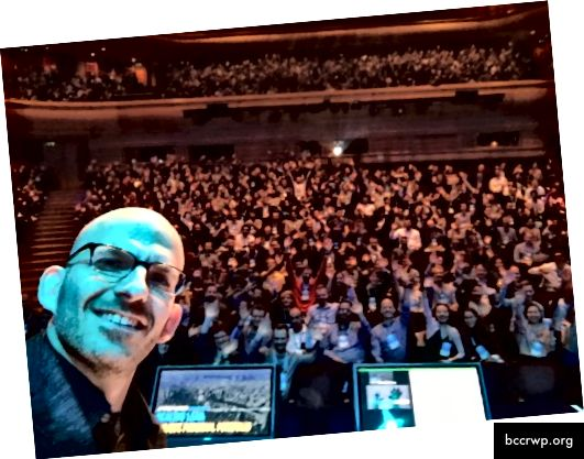 Mul oli rõõm rääkida eelmisel nädalal Londonis ettevõttes Mind the Product. See on tootejuhtide ja nende kolleegide kaks korda aastas toimuv kokkutulek, mis meelitab ligi 1500 kohalolijat. Asukohta, Barbicat ja publiku suurust arvestades ei suutnud ma vastu panna selfie võtmisele lavalt.