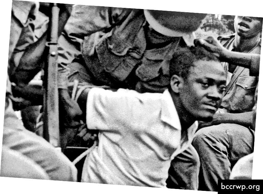Lumumba sat í fangelsi aðeins mánuðum eftir að hann var kjörinn forsætisráðherra. Hann var pyntaður og tekinn af lífi án dóms. Joseph-Désiré Mobutu, sem afhenti Lumumba að lokum morðingja sína, yrði síðar einræðisherra Kongó-lýðveldisins í áratugi.