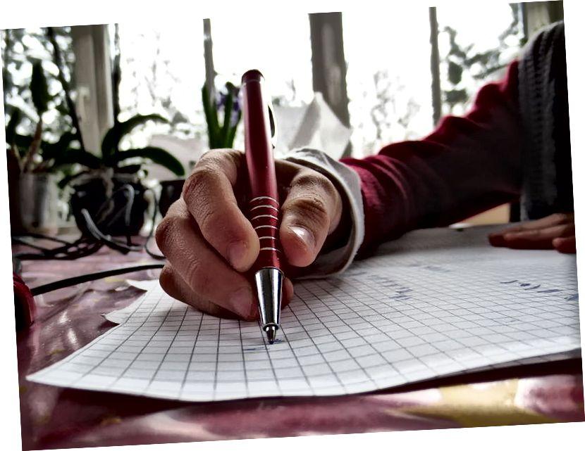 Peamine erinevus - akadeemiline vs tehniline kirjutamine