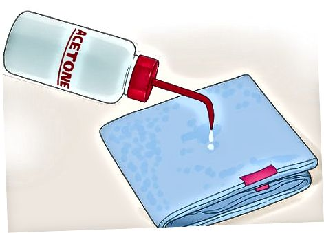 Aseton yoki tirnoqli Polyak Remover yordamida