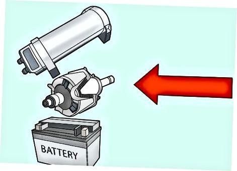 Vairākas baterijas un kondensatori