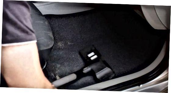 Avtomobilning ichki qismini bo'shatish