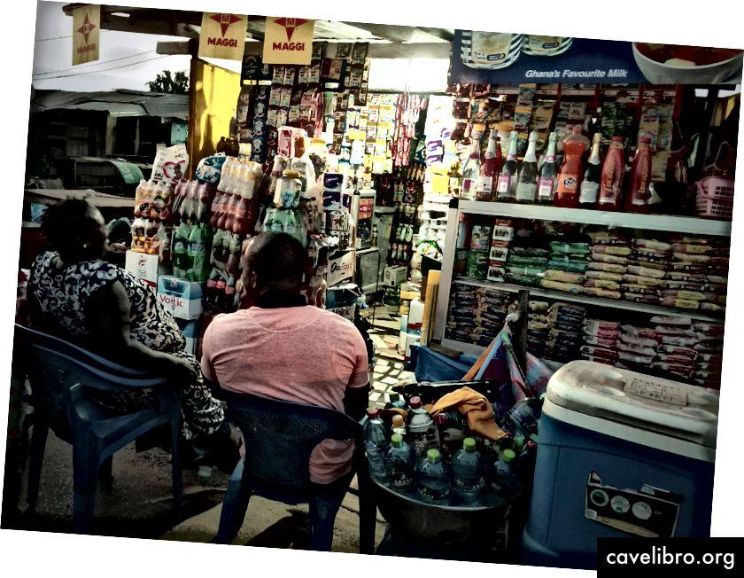 Trgovci na tržištu koji sudjeluju u pilot EDI-u u Gani. (Kredit: Emilia Tjernström)