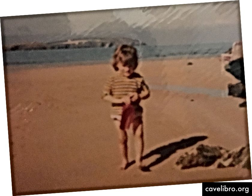 Diana a tengerparton két éves