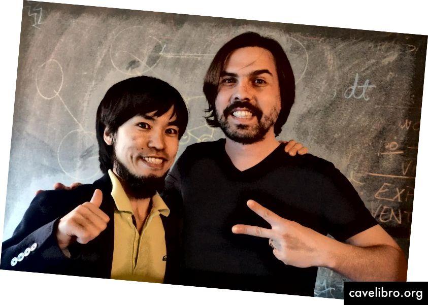 César Hidalgo (à droite) dirige le groupe d'apprentissage collectif au sein duquel Takahito Ito (à gauche) a travaillé en tant que scientifique invité. Crédit: Xiaojiao Chen