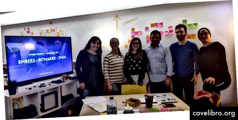Dvojica osnivača Bitmakera u centru, s dodijeljenim timom TNDS-a od 3 učenika i 1 pomagačem u lipnju 2018. godine.