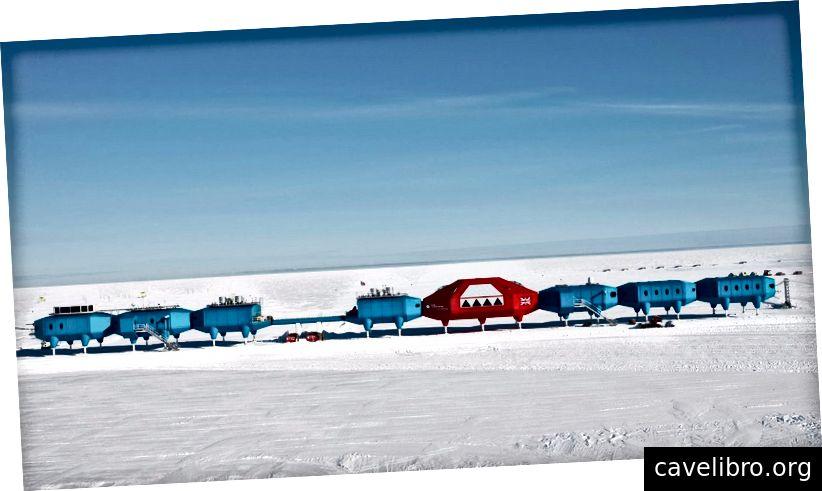 To je antarktična raziskovalna postaja Halley 6, ki se uporablja za preučevanje ekstremnih okolij. Zasluge: Leonard