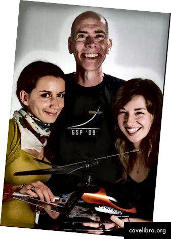 S lijeva na desno: Stefania Druga, Dan Barry, Libby Falk u programu GSP12 SU. Zasluga: TJ Rak 2012
