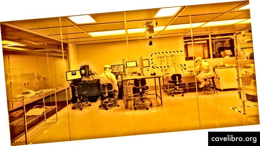 Notre installation de microfabrication et de caractérisation à la pointe de la technologie, le YellowBox.
