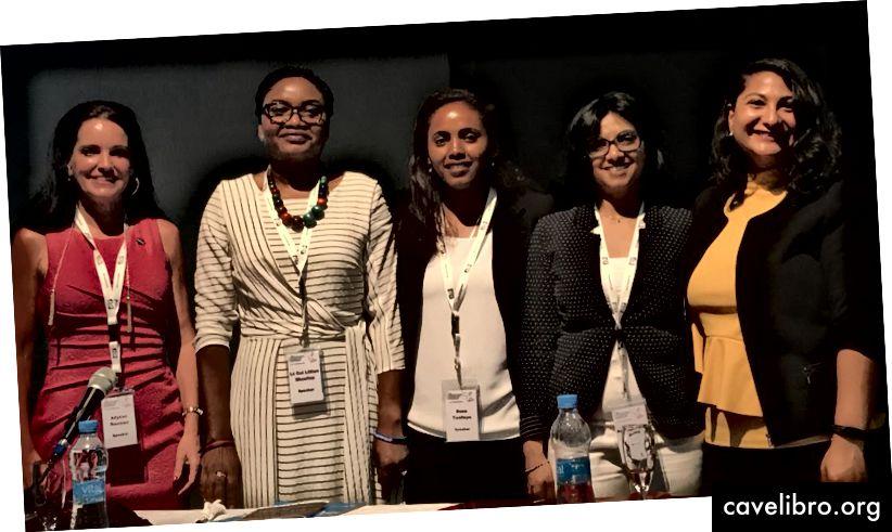 Dr. Minoo Rathnasabapathy du groupe Space Enabled avec Allyson Reneau (États-Unis), Lillian Muwina (Zambie), Beza Tesfaye (Éthiopie), Kamleshwuree Brocard (Maurice). Crédit: Danielle Wood