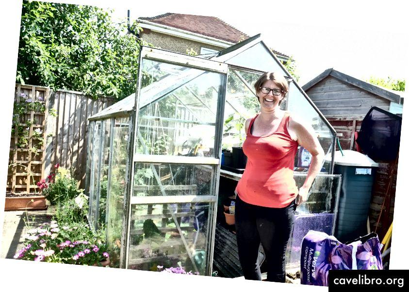 Mint szerető, hogy könnyebben éljen a földön, Debbie a Burgess Hillben élvezte, hogy nagyobb képességekkel bír körül, amikor energiáját használja.
