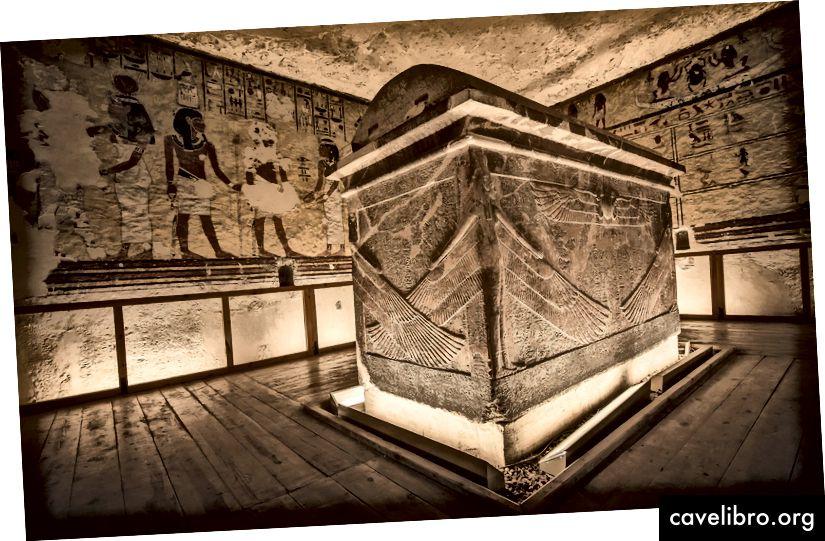 Hautauskammio Ayn haudalla, Egyptin 18. dynastian viimeisimmän kuninkaan ja kuningas Tutankhamunin seuraajan luona. LUOTTAMINEN: JAKUB KYNCL Lähde: The Telegraph
