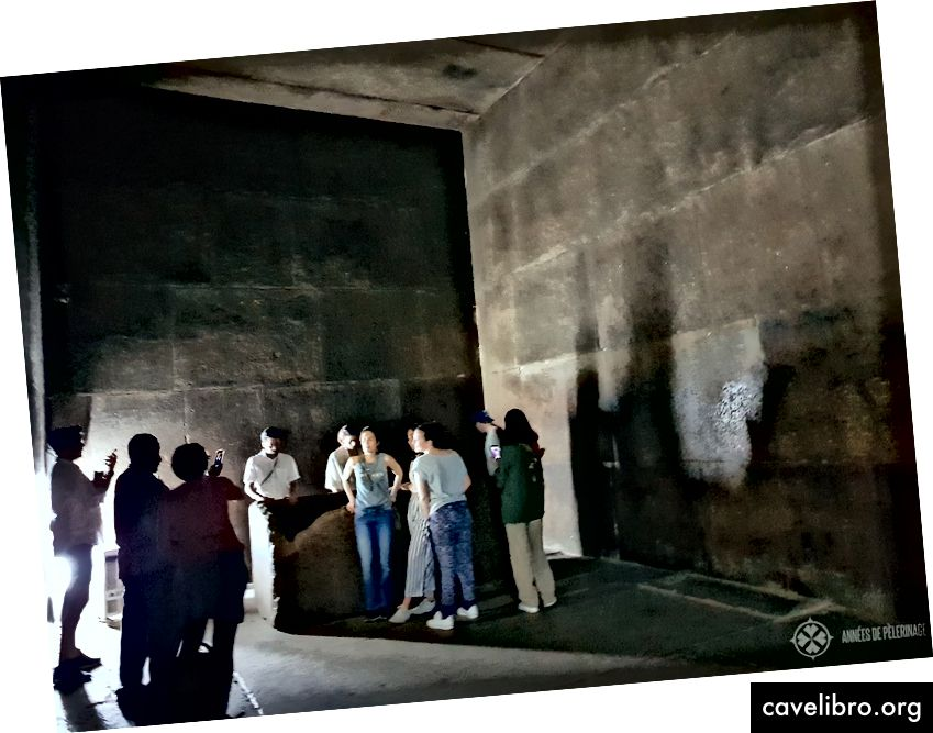 Kuninkaan kamari suuren pyramidin sisällä. Lähde: annees-de-pelerinage.com