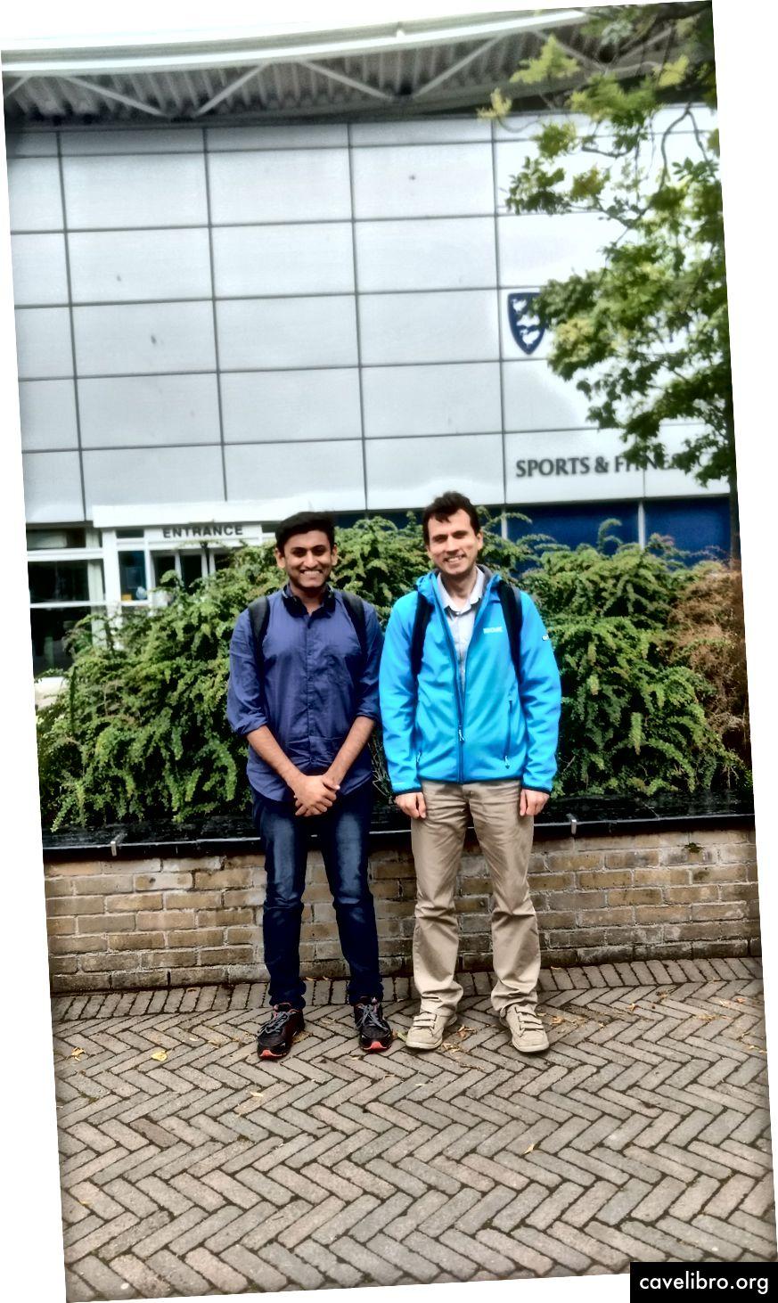 डॉ। कुर्लिन (दाएं) के साथ अविरल श्रीवास्तव (बाएं)
