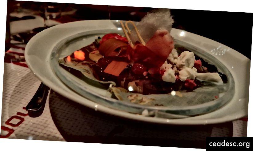 Le saké dans une boîte à jus; Dessert macabre si ce n'était pas si bon.