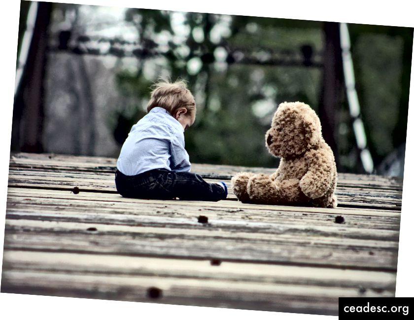 Če se veliko obkrožate z medvedki, verjetno ne boste postali cinični kreten.