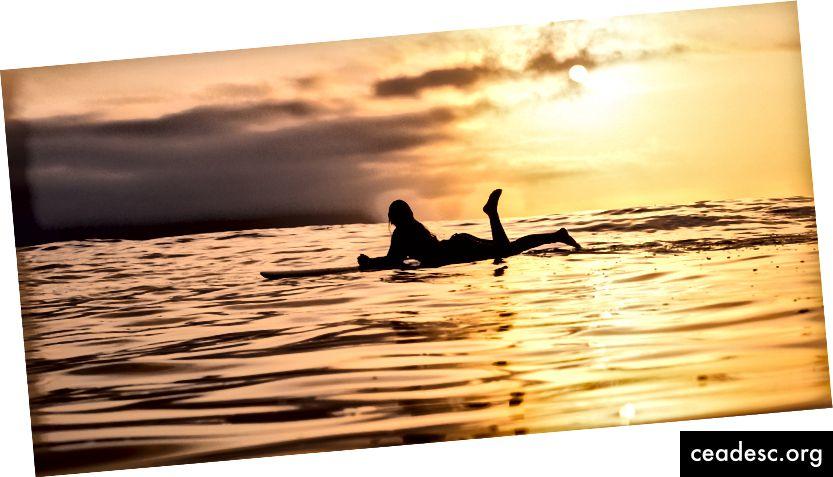 Lõpetage täiusliku laine ootamine. Surfake seda, mida elu teile täna annab. Foto autor: Jeremy Bishop