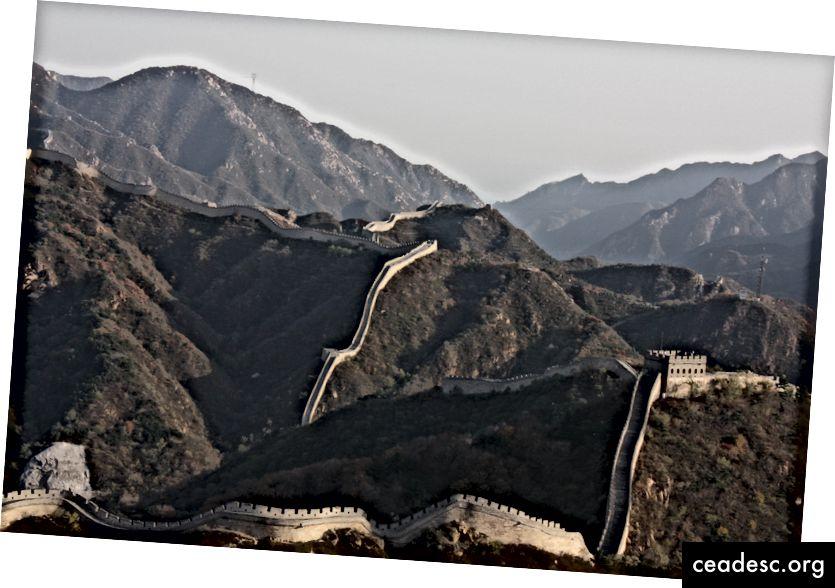 """Violette Filippini """"Suur Hiina müür"""" saidil Unsplash. Muidugi kasutasin ma pildi Suurest Müürist! See on ju Hiinas."""