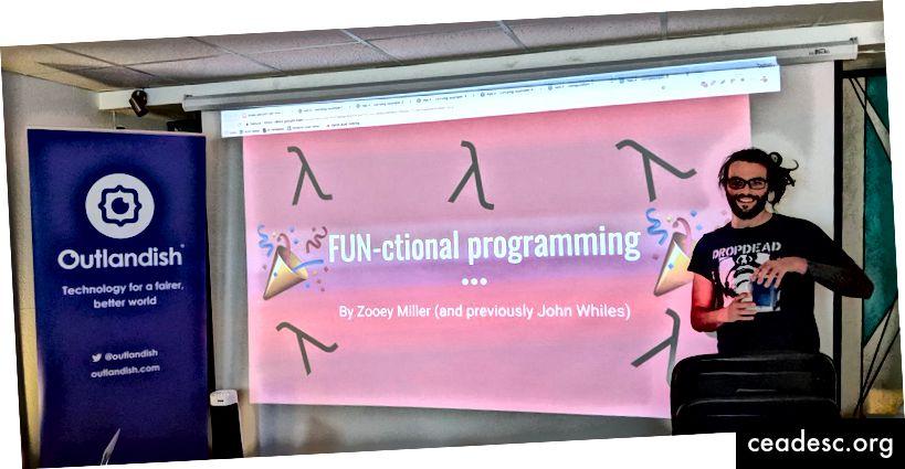ليس لدينا أي معلمين ، لكن لدينا بعض المرشدين المذهلين. في هذه الصورة ، زوي ميلر (FAC10 ، ربيع 2017) يزور مجموعة ربيع 2018 لإلقاء نظرة على البرمجة الوظيفية.