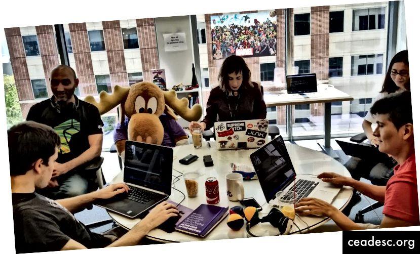 Meeskond teeb oma JIT (Jet Innovation Time) projektide nimel kõvasti tööd