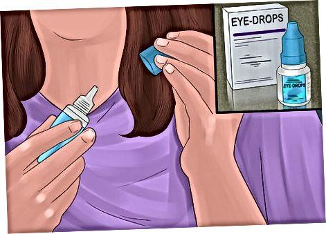 Zalf aanbrengen in het onderste ooglid