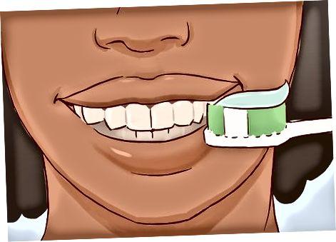 הלבנת שיניים בבית