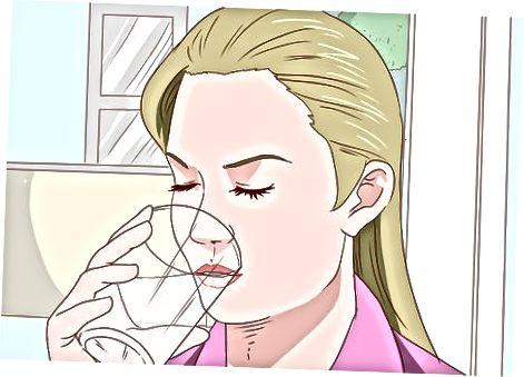 Vloeistoffen gebruiken om de pijn te verlichten