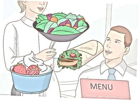Spise sunt på gatekjøkkenrestauranter