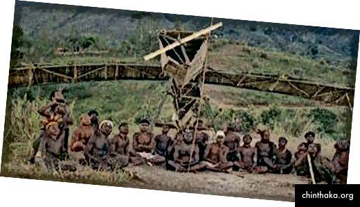 Ein Strohflugzeug, das von den Einwohnern einer der Inseln gebaut wurde