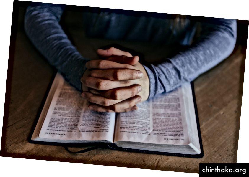 استمر في القراءة لمعرفة كيفية التشكيك في معتقداتك! https://unsplash.com/@patrickian4