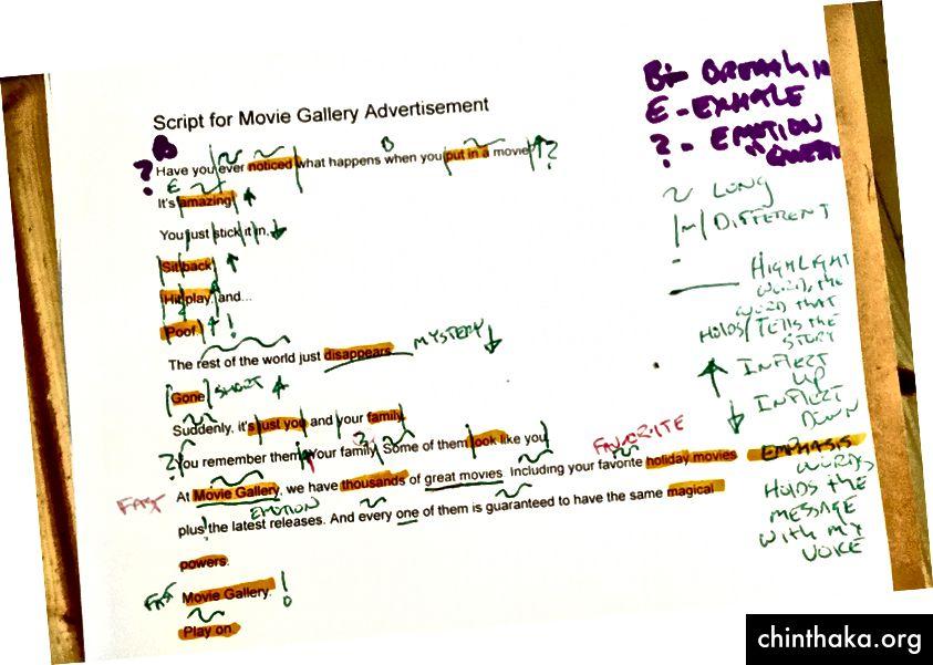 Markieren Sie Ihr Skript, um sich an Pausen, Wendungen, Geschwindigkeit und andere Elemente zu erinnern, an die Sie sich während der Probe erinnern sollten.