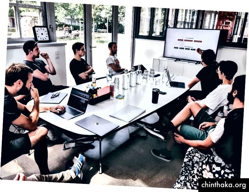 افتح Talk من مصممنا ثلاثي الأبعاد http://www.stephanwalter.ch/ في منتدى التصميم الأخير