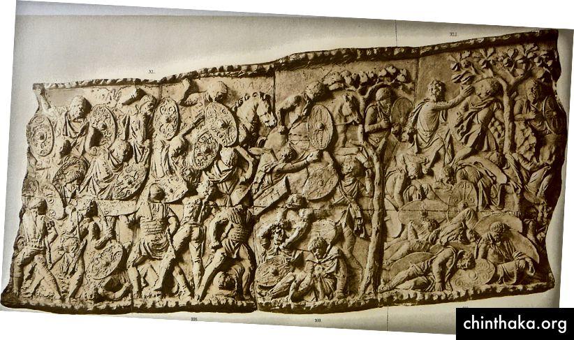 Ein Stück Trajans Kolumne in Rom, das Apollodor von Damaskus im 2. Jahrhundert nach Christus zugeschrieben wird, ist ein gutes Beispiel für einen Fries. Bild: Wikimedia Commons