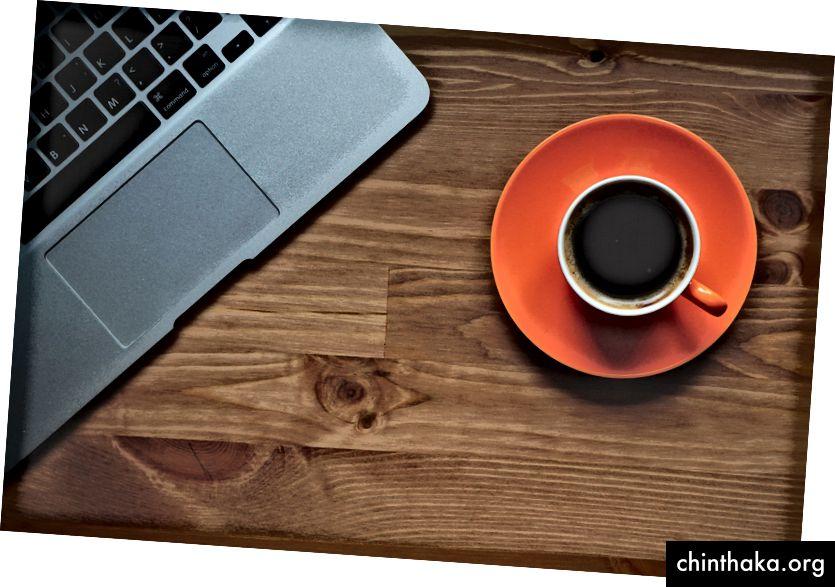 Start din dag med endnu udført arbejde (Foto af Andrian Valeanu på Pixabay)