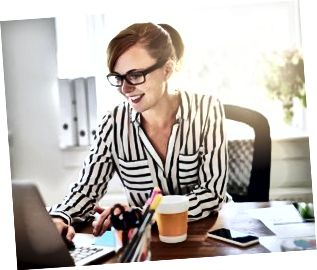 Framgångsrik kvinnlig entreprenör med ett nytt företag