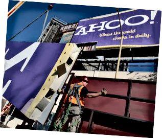 San Francisco Landmark Yahoo Billboard kommer ner
