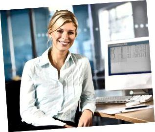Forretningskvinde ved skrivebordet