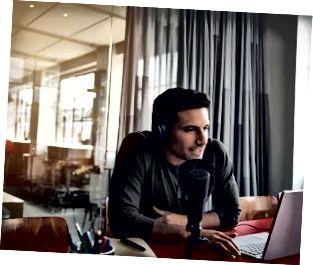 Su compañía se está uniendo a la moda de los podcasts.
