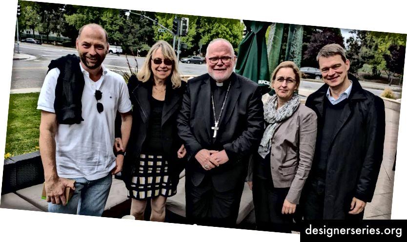 Woj met kardinaal Reinhold Max over Moonshots in het onderwijs. Mellinger definieerde vertrouwen als een