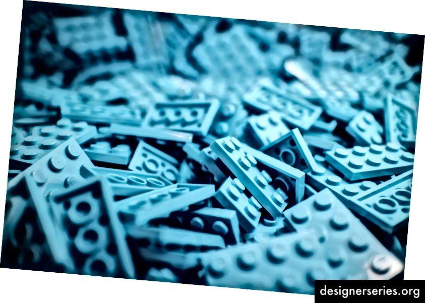 Al igual que los bloques Lego, los componentes React reutilizables deben ser granulares y compostables.