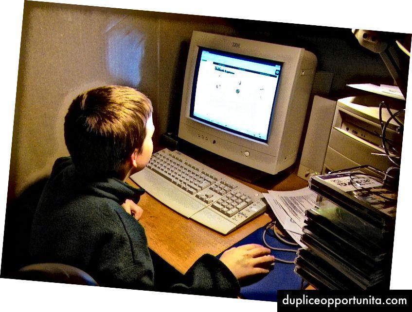 Su un computer di famiglia, Sindre stava controllando Microsoft Outlook Express