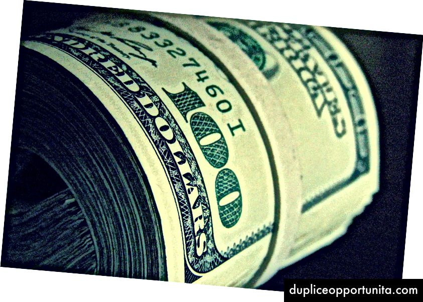 お金の色—クリス・ポッター(CC BY 2.0)