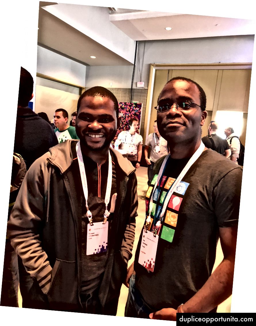 L-R : Chrome Dev Summit Venue, I 및 Adewale Oshineye.