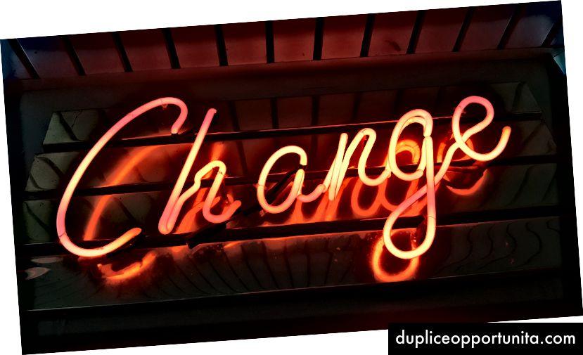 """""""Промяна на неонова светлинна табела"""" от Рос Фийдън на Unsplash"""