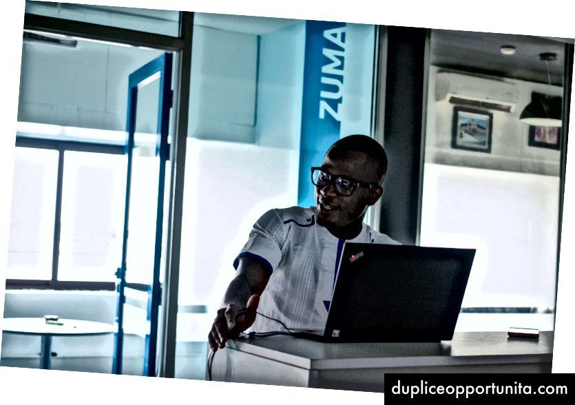 Филип Okonkwo - Android Средно обучение / LCA улеснение по време на ALC 2.0 се срещат в Epic Tower