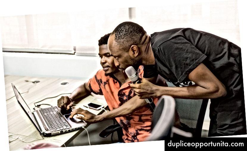 Kolawole Afuye - LCA с голямо сърце управлява Android Track в няколко общности в Лагос