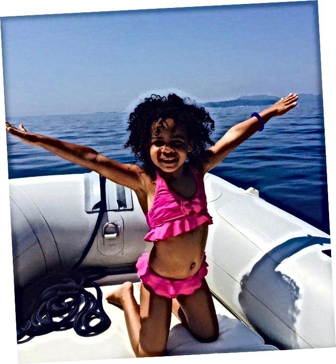 Tyttäreni Havana Hvarissa, Kroatiassa.