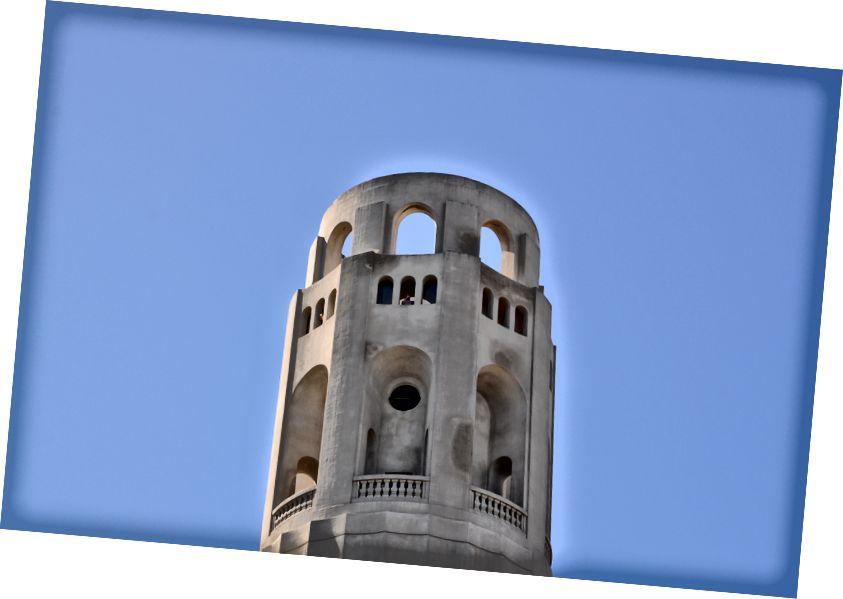 Một số góc nhìn từ đồi Coit Tower; từ trái qua phải: St St St, Đảo Methraz, Tháp Coit