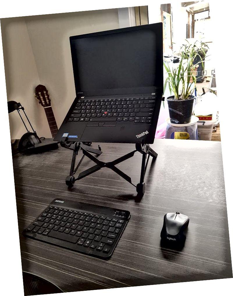 Taşınabilir ofis böyle görünüyor. O zamandan beri o klavyeyi değiştirdim.
